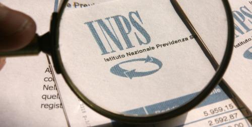 Indennità di accompagnamento, pensioni e assegni Inps anche senza carta di soggiorno
