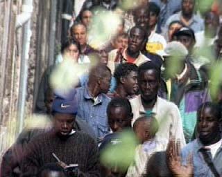 Integrazione al decreto interministeriale 24 dicembre 1997 recante programmazione dei flussi di ingresso per l'anno 1998 di cittadini stranieri non comunitari